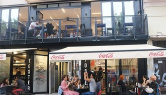 TOSTER BAR: Omiljeni burgeri Novosađana na novoj adresi