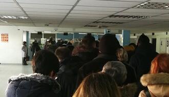 FOTO: Ponovo redovi za pasoše u Novom Sadu