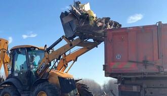 FOTO: U akciji čišćenja divlje deponije kod Rokovog potoka angažovana tri javna preduzeća