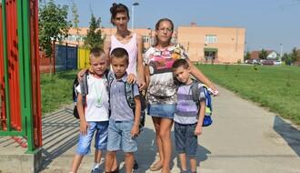 Novosađani: Prvi školski dan i crtanje mame i tate