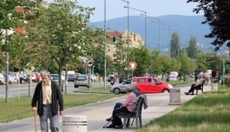 """Stanovnici MZ """"Gavrilo Princip"""" požalili se na ruinirane pešačke staze, nedostatak uličnog osvetljenja..."""