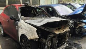 U požaru izgorela tri automobila
