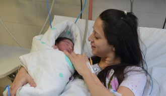 Prva novosadska beba u 2016: Dečak obradovao Firiće minut posle ponoći
