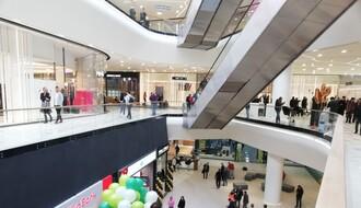 """FOTO: Zvanično otvorena """"Promenada"""", Novosađani pohrlili u novi tržni centar"""