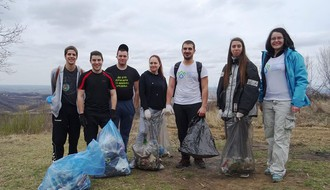 UKLJUČI SE: Mladi Novosađani organizuju redovne šetnje uz čišćenje Fruške gore (FOTO)