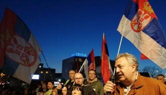 """(FOTO I VIDEO)  """"NS dnevnik uživo"""" na desetom protestu """"1 od 5 miliona"""" u Novom Sadu"""