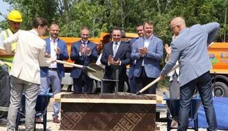 Premijerka i gradonačelnik položili kamen temeljac za izgradnju stanova pripadnika snaga bezbednosti (FOTO)