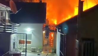VIDEO: Gorela kuća u Petrovaradinu, materijalna šteta velika