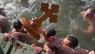 TRADICIJA: Širom Srbije održano plivanje za bogojavljenski krst