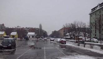 Parkinzi u gradu očišćeni od snega