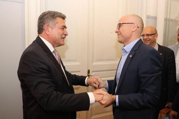 Gradonačelnik Novog Sada posetio Krf (FOTO)