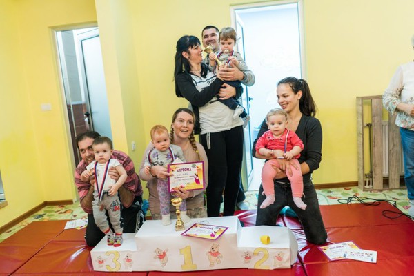 Prijavljivanje beba za takmičenje u puzanju: Nadmetanje u dve kategorije