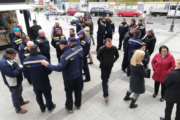 Novosadski poštari u štrajku, traže poboljšanje materijalne situacije i uslova rada (FOTO)