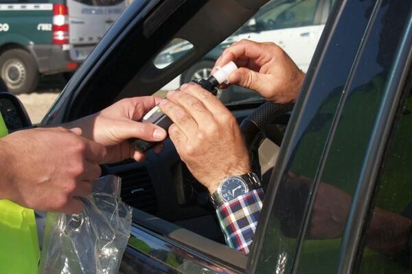Novosađanin (72) bacao petarde iz automobila, naduvao 4,05 promila