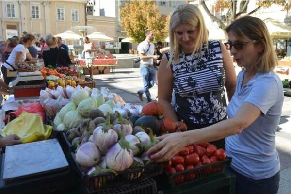 """FOTO: U Katoličkoj porti održan """"Dan organskih farmi"""""""