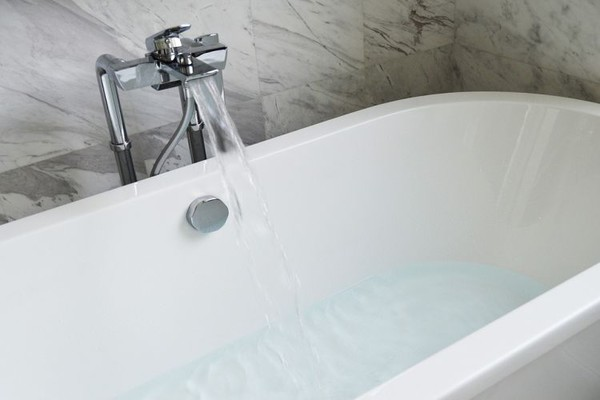 Ulica Privrednikova do 17 sati bez vode