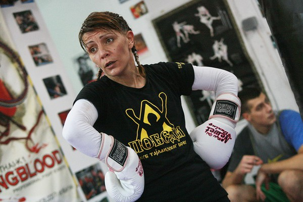 Sandra Zekić, bokserka & novinarka: Mogu da krvarim u ringu, ali od kafanske tuče mi pozli