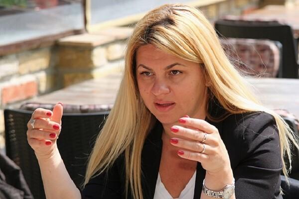 NOVOSAĐANI: Oproštaj od Balaševića na Keju nastao je od njene ideje (FOTO i VIDEO)