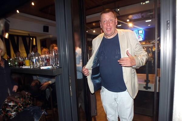 Novosađani: Ako zalazite po kafićima, teško da ne znate ovog čoveka