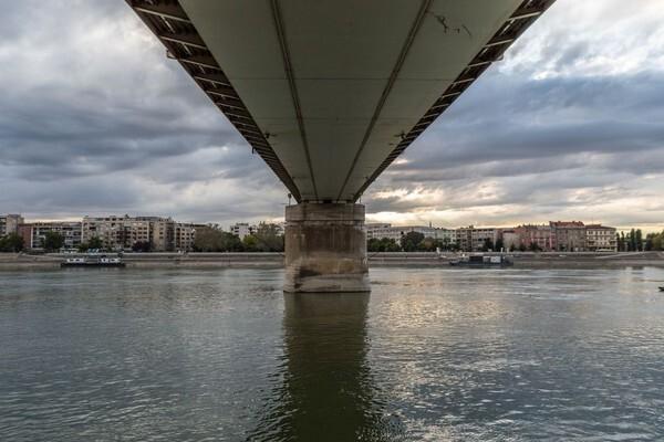 U Dunav se izlila tečnost nepoznatog porekla