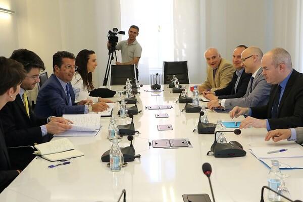 GRADSKA KUĆA: Šef Misije OEBS u Srbiji razgovarao s gradonačelnikom