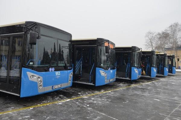 JGSP: Potpisan ugovor za kupovinu trinaest novih mercedesovih autobusa