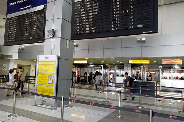 """Korona virus stigao i u Albaniju, """"Er Srbija"""" otkazuje letove za Milano i Veneciju"""