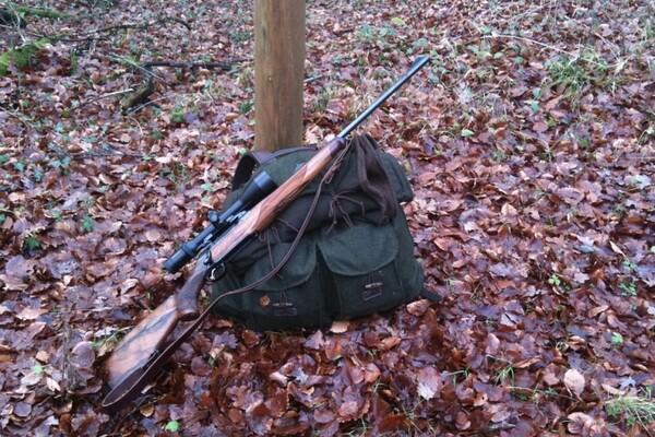 Policija zaplenila pištolj i lovačku pušku