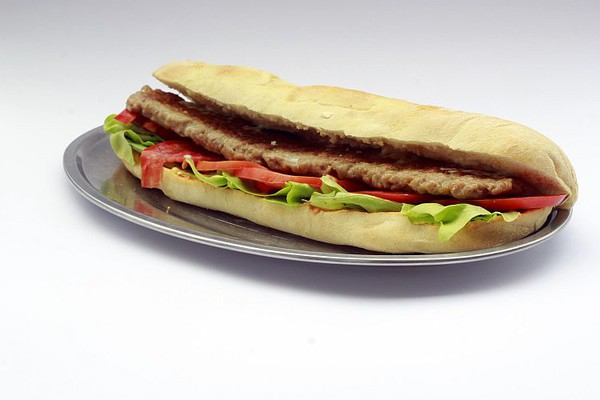 ISTRAŽUJEMO: Gde u Novom Sadu možete pojesti odličan šiš-ćevap (FOTO)