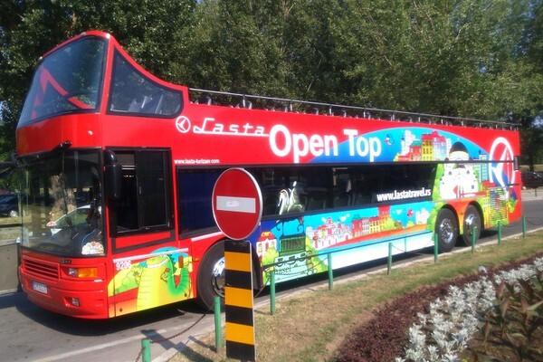 Panoramski autobus ponovo na novosadskim ulicama