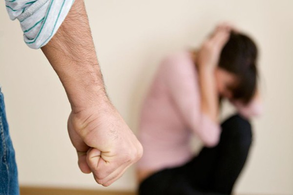 Trgovina ljudima: 18-godišnjakinju primoravao na prostituciju