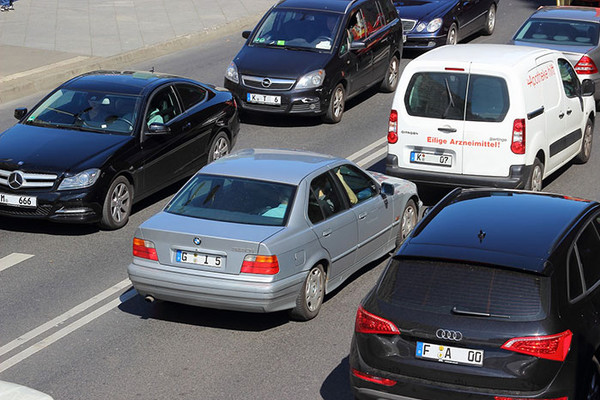Duža zadržavanja na graničnim prelazima Horgoš i Batrovci