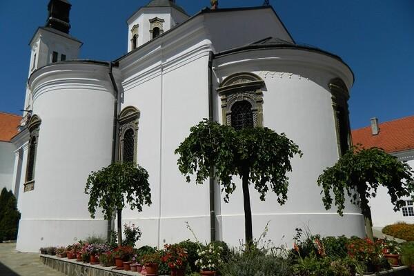NAŠ PREDLOG: Obilazak pet Fruškogorskih manastira u jednom danu