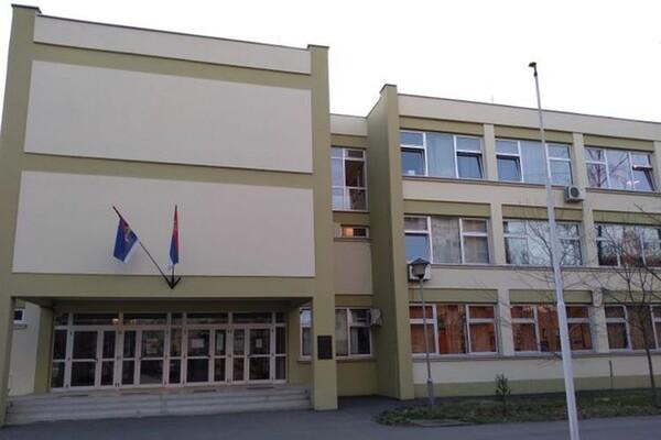 Unija sindikata traži odlaganje početka školske godine; Šarčević: Nemamo informaciju da  postoje poteškoće