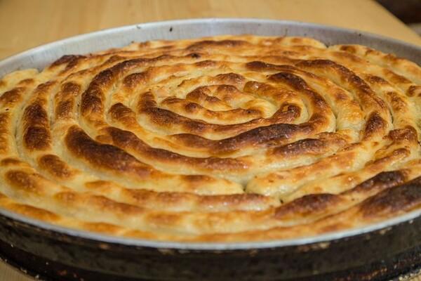 UKUS TRADICIJE: Gde Novosađani mogu pojesti dobru pitu ispod sača