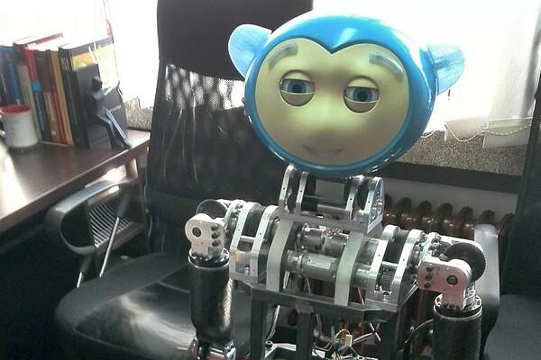 Festival nauke i obrazovanja: Upoznajte robota koji može da iskaže emocije (FOTO)