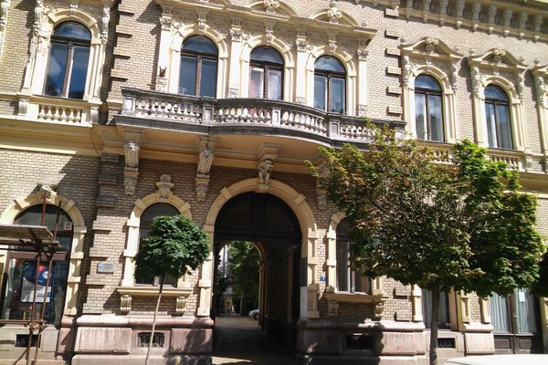 MATIČNA KNJIGA VENČANIH:  Brak u Novom Sadu sklopilo 27 parova