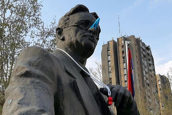 "FOTO: DSS poziva Novosađane na ""Protest protiv smrada"""