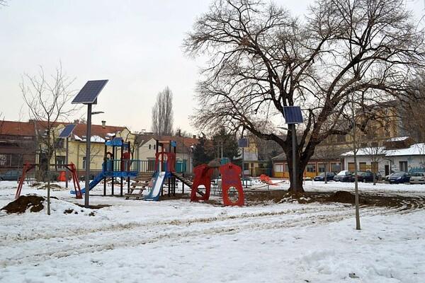 Novi Sad dobio solarno javno osvetljenje