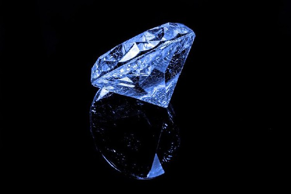 Egzotična izložba nakita od minerala i kristala ostavlja bez daha