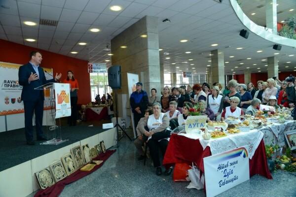 Otvoren Sajam stvaralaštva seoskih žena u Vojvodini (FOTO)