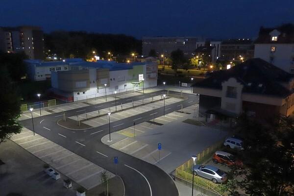 FOTO: Parkiralište u Radničkoj ulici počelo s radom