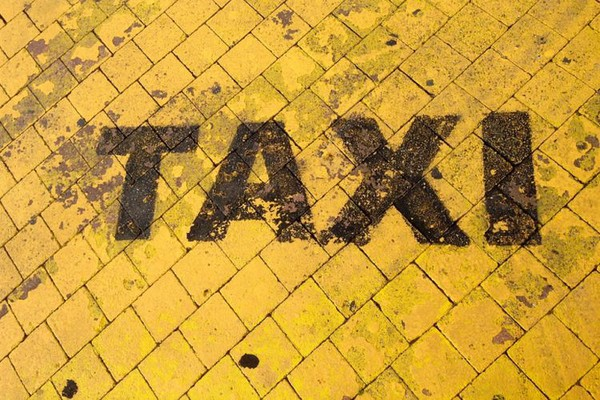 SERBIA FASHION WEEK: Modni taksi od subote na ulicama Novog Sada