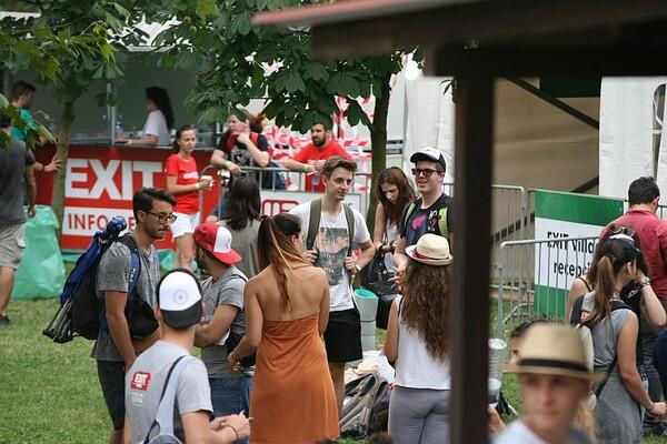 EXIT 2016: Stigli prvi gosti kampa na Štrandu (FOTO)