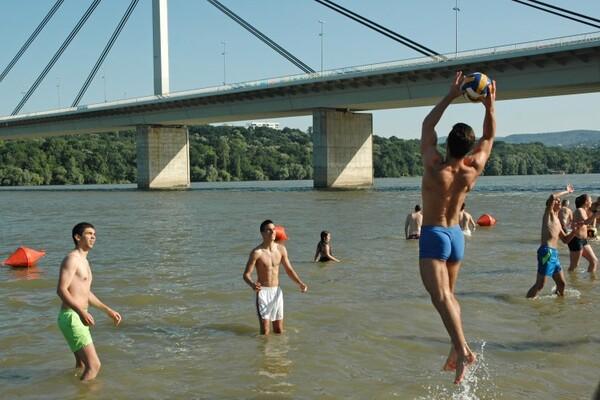 Voda u Dunavu i na slavinama zadovoljavajuća, oprez sa javnim bunarima
