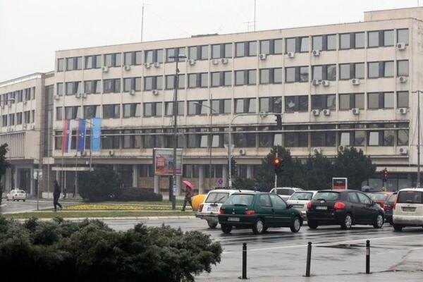 Vlast odbila zahteve građana, na uglu Jovana Subotića i Kisačke novi soliter