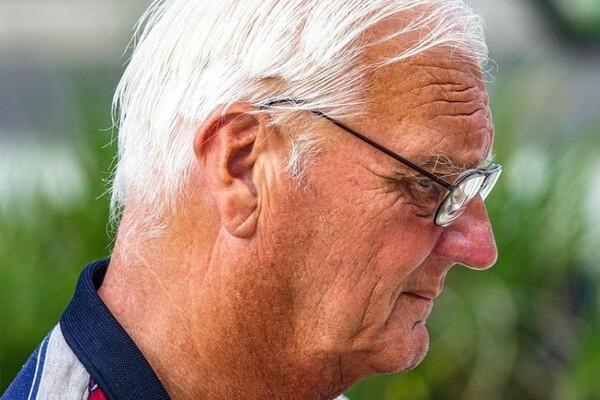 PENZIONERI: Bez nove lične karte, od septembra nećete moći podići penziju