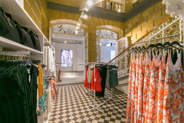 Otvorena još jedna H&M prodavnica: Najnoviji modni trendovi u Palati Dunđerski