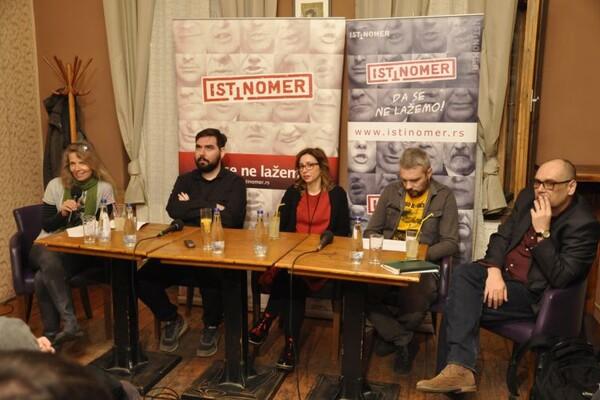 """FORUM """"ISTINOMERA"""": Novosadske javne površine postale servis investitora (FOTO)"""