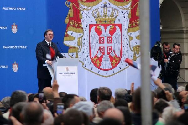 Vučić najavio novo povećanje plata zdravstvenim radnicima i prosvetarima